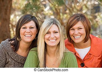 hermanas, tres
