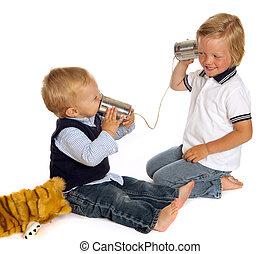 Hermanos al teléfono
