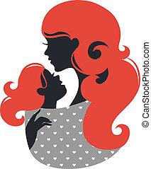 Hermosa madre silueta con el bebé en un cabestrillo