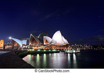 Hermoso cielo estrellado sobre la icónica ópera de Sydney