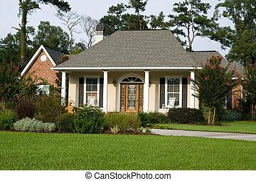 Hermoso hogar con jardín paisaje