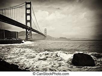 Hermoso puente Golden Gate en San Francisco