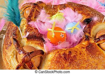 hervido, mona, plumas, huevos, de, algunos, tradicional, pascua, lunes, comido, pastel, adornado, españa, pascua, típico