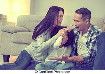 hijas, perfecto, paciente, desires., abastecimiento, su, padres, mentecato