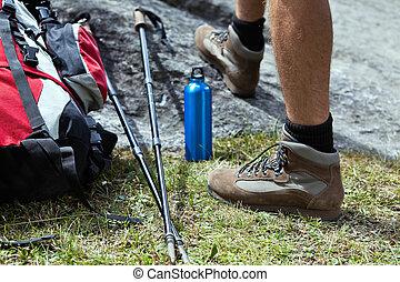 Hiker y equipo de senderismo