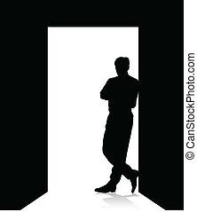 Hombre apoyado en la puerta
