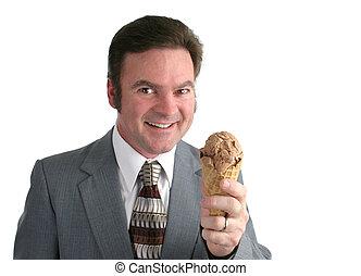 Hombre con helado 1