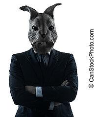 Hombre con máscara de conejo retrato de silueta