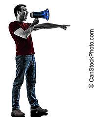Hombre con silueta megáfono