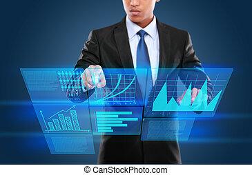 Hombre con tecnología interactiva