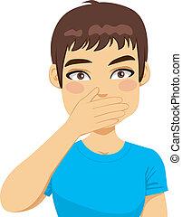 Hombre cubriendo boca con mano