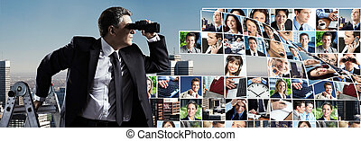 Hombre de negocios con binoculares.