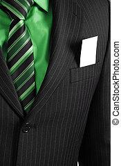 Hombre de negocios con tarjeta en el bolsillo
