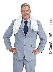 Hombre de negocios con toalla