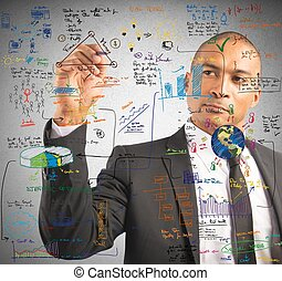 Hombre de negocios haciendo un nuevo proyecto