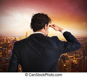 Hombre de negocios mirando al futuro