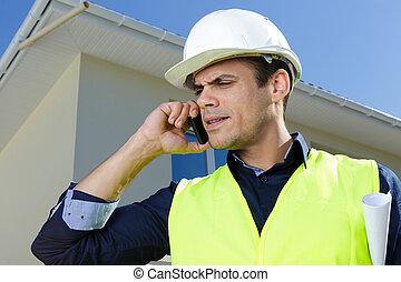 hombre de negocios, retrato, sitio, construcción