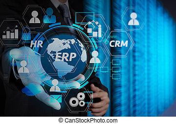 Hombre de negocios sosteniendo el icono de la red de nubes en el ordenador de pantalla táctil como concepto de negocio de seguridad en internet