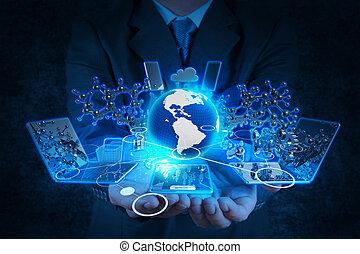 Hombre de negocios trabajando con tecnología moderna