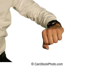 hombre, joven, llevando, smartwatch