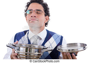 Hombre oliendo delicioso almuerzo de la olla