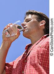 Hombre sediento