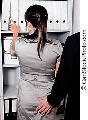hostigamiento, trabajo, sexual, oficina
