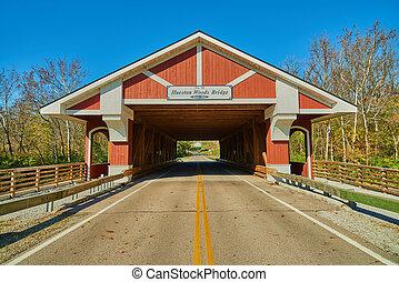 Hueston Woods cubrió el puente