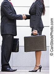 Imagen de reunión de negocios fuera de la oficina