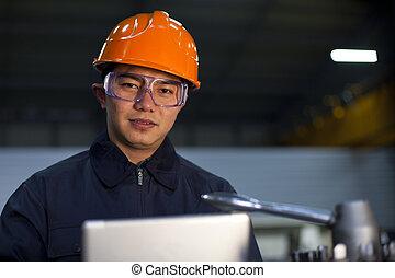 Ingeniero asiático