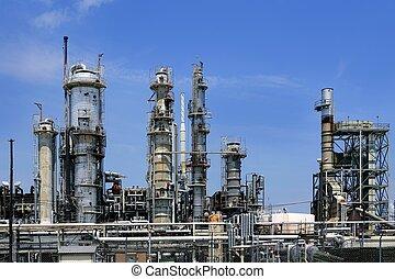 Instalaciones petroleras, cielo azul de metal