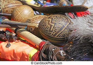 instruments-, andes, maracas
