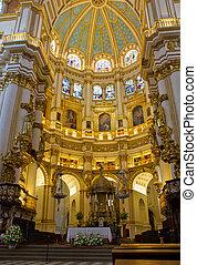 Interior catedral, granada, España