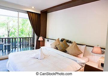 Interior de la moderna y cómoda habitación de hotel