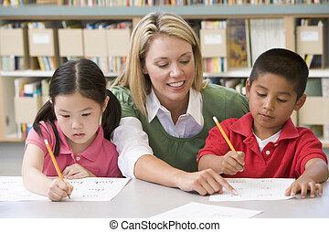 jardín de la infancia, estudiantes, escritura, porción, habilidades, profesor