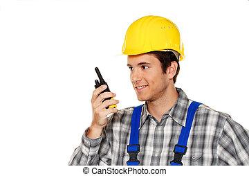 Jovenes artesanos, fontaneros, obreros de construcción