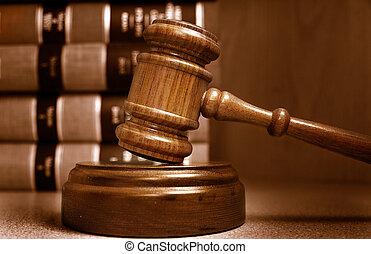 jueces, apilado, atrás, libros, martillo, ley