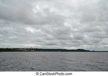 kavgolovo, lago, día nublado