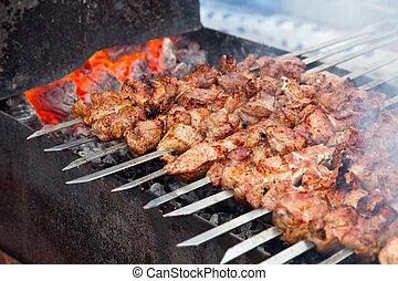 kebab shish, fresco, apetitoso, outdor, parrilla, carbón, madera, preparado, carne, (shashlik)