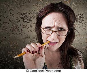 lápiz, mujer, mascar, nervioso