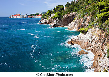 Línea costera marina adriatica