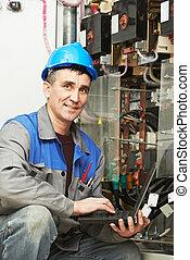 línea, electricista, potencia, feliz, caja, trabajando