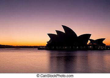 La ópera de Sydney al amanecer