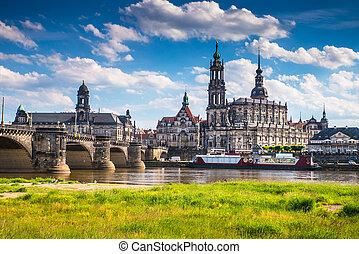 La antigua ciudad de Dresden, Alemania. El centro histórico y cultural de Europa.