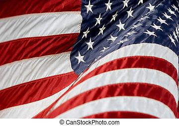 La bandera americana ondea 3