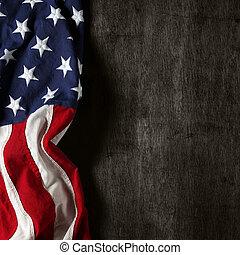 La bandera americana para el día de la conmemoración o el 4 de julio