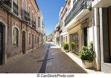 La calle en el centro histórico de Faro Portugal.