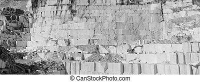La cantera de mármol blanco de Thasos en BW