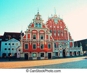La casa de los negros en la antigua ciudad de Riga