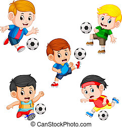 La colección de niños futbolistas con la diferente pose